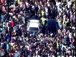 Obama Socialism:30,000 Blacks line up for Section 8 in ...